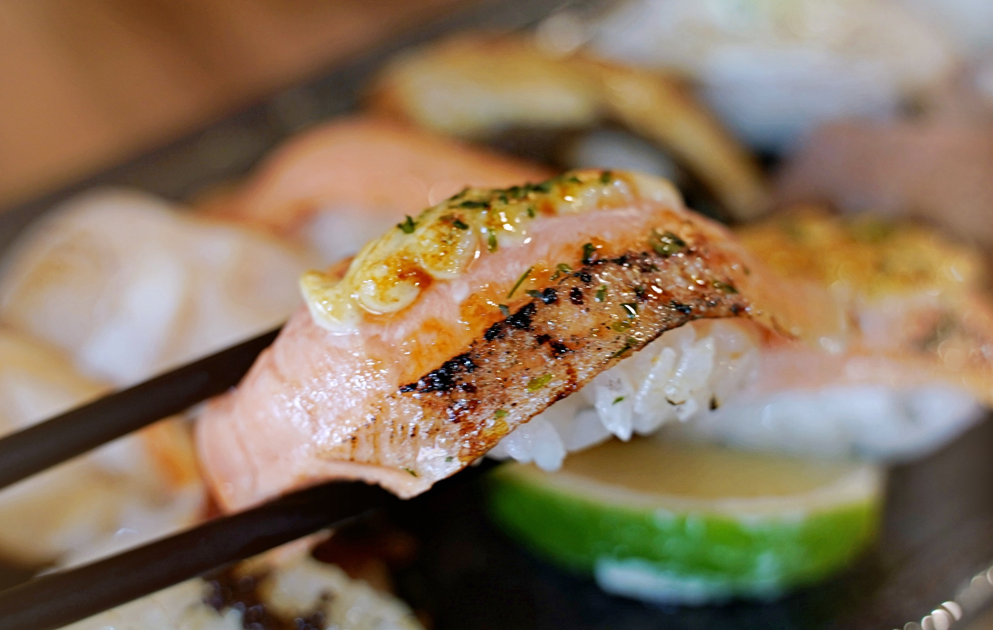 魚多甜輔大店|新莊日本料理推薦|握壽司均一價40元|炙天使蝦大推必點(菜單、價格)