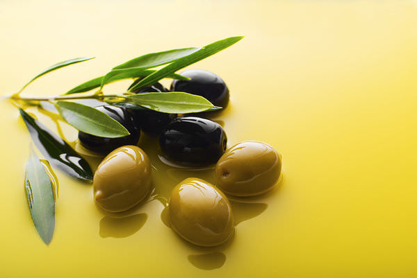green-and-black-olives---approved-(hr).jpg